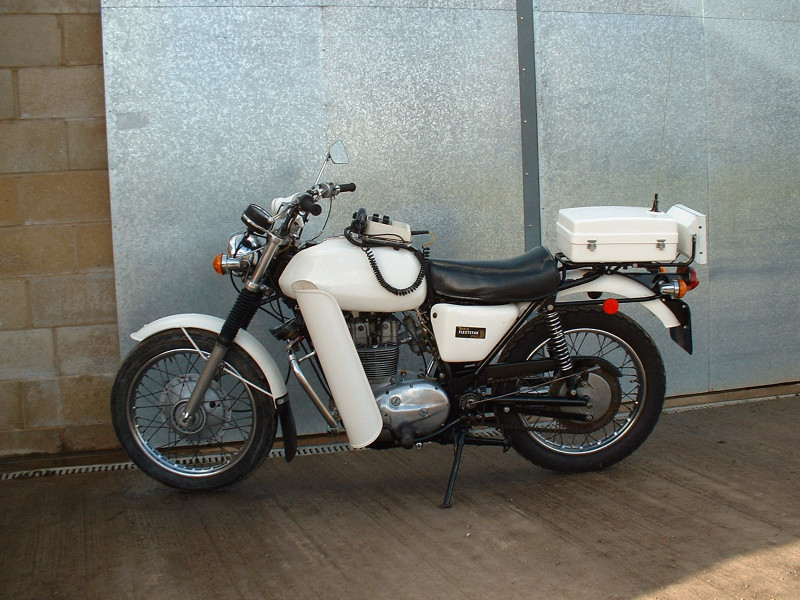 BSA Fleetstar restoration. Fabrication, powdercoat, wiring and tuning for Police Vehicle collector